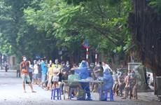 Hà Nội xét nghiệm diện rộng cho cư dân quanh Bệnh viện Việt Đức