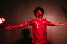 Hình ảnh Leroy Sane hân hoan trong ngày gia nhập Bayern Munich