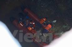 Tìm thấy thi thể nạn nhân bị xe container đâm rơi khỏi cầu Thanh Trì