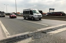 Xe ôtô chỉ được chạy tốc độ 60km/h trên cầu Thanh Trì từ ngày 16/3