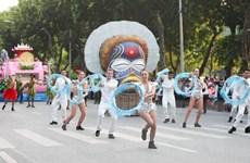 [Photo] Rực rỡ Carnival đường phố kỷ niệm ngày giải phóng Thủ đô