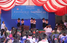 Trường tiểu học Tân Tiến của con em kiều bào tại Campuchia vượt khó