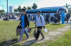 Đưa hơn 700 người dân Quảng Ngãi mắc kẹt ở vùng dịch về nơi cư trú
