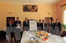 Đại sứ Pháp tặng tỉnh Lâm Đồng bản sao số hóa thiết kế Dinh 3 Bảo Đại