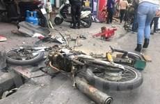"""[Photo] """"Xe điên"""" gây tai nạn liên hoàn trên phố Ngọc Khánh"""