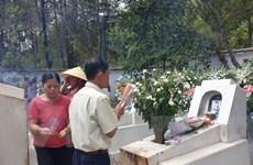 Hàng trăm người dân tới dâng hương tại Khu di tích Ngã ba Đồng Lộc