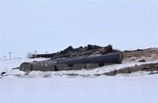 Canada: Tàu chệch đường ray làm rò rỉ lượng lớn dầu thô