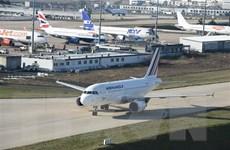 Máy bay chở hơn 500 hành khách của Air France phải hạ cánh khẩn cấp