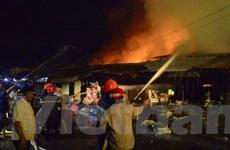 Bình Phước: Cháy lớn thiêu rụi nhiều sạp hàng tại chợ Bình Long
