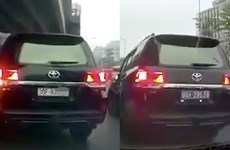 Thông tin về vụ xe ôtô biển trắng đổi sang biển xanh tại Hà Nội