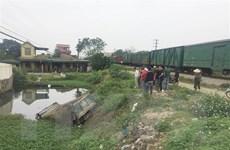Nghệ An: Xe tải và tàu hỏa va chạm, tài xế tử vong tại chỗ