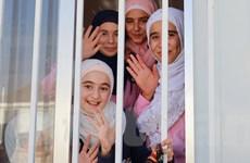 Giấc mơ đến trường của trẻ em tị nạn vùng chiến sự Syria