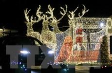 Không khí đón Giáng sinh và Năm mới lung linh trên khắp thế giới