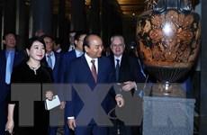 Hình ảnh Thủ tướng thăm Cung điện Mùa Đông và Khu lưu niệm của Lenin