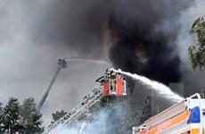 Hình ảnh cháy lớn tại Trung tâm thương mại Đồng Xuân tại Berlin