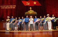 Tổng Bí thư Nguyễn Phú Trọng gặp mặt đảng viên trẻ tiêu biểu toàn quốc