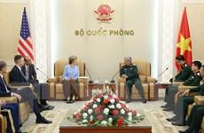 Thượng tướng Nguyễn Chí Vịnh làm việc với Phó Tổng Giám đốc USAID