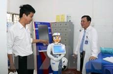 """Robot cô Tấm mang """"chất lính"""" trong hành trình y tế thông minh"""