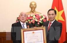 Trao Huân chương Hữu nghị tặng Cố vấn đặc biệt của Thủ tướng Nhật Bản