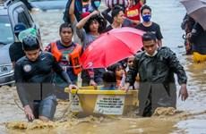 Hình ảnh bão Vamco gây mưa lớn và ngập lụt tại thủ đô Manila