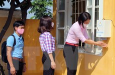 Sẽ chi trả kinh phí mua thuốc sát trùng cho học sinh và người lao động