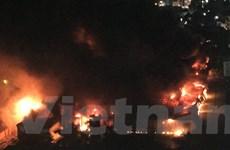 Cận cảnh vụ cháy lớn ở kho của Công ty bóng đèn phích nước Rạng Đông