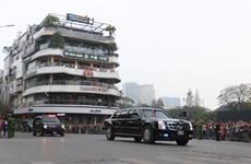 Hai nhà lãnh đạo Mỹ và Triều Tiên lên xe rời khách sạn Metropole
