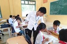 Thầy giáo trẻ hết lòng vì học sinh dân tộc thiểu số người Mông