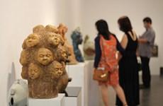 Nhiều tác phẩm ấn tượng tại triển lãm gốm nghệ thuật Việt 2021
