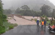 Kon Tum: Mưa lớn gây trôi cầu sắt, chia cắt khoảng 500 hộ dân