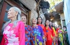 Ngày đẹp nhất của những phụ nữ nghèo xóm trọ chân cầu Long Biên