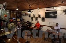 Quán càphê, hàng ăn tại Hà Nội tất bật mở cửa đón khách trở lại