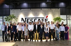 Đại diện chính phủ Thụy Sĩ thăm nhà máy Nestlé tại Việt Nam