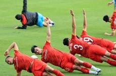 Cận cảnh tuyển Việt Nam trở lại tập luyện, chuẩn bị đấu Trung Quốc