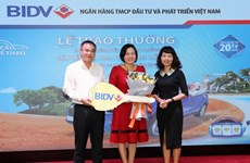 Một ''thượng đế'' của BIDV được trao thưởng xe hơi thể thao