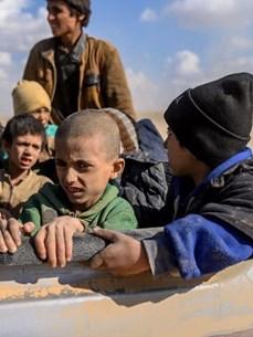 [Mega Story] Con đường hòa bình cho Syria: Nấc thang cheo leo