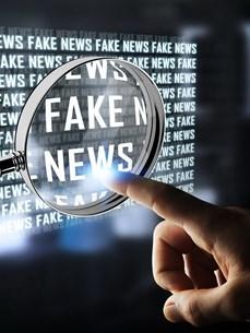[Mega Story] Tin giả - 'đợt sóng thần' đe dọa thế giới hiện đại