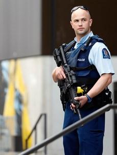 New Zealand siết chặt quản lý súng đạn:  Muộn còn hơn không