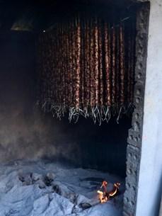 Thịt gác bếp: Đặc sản tình cờ của khói bếp vùng cao