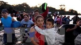 Hàng nghìn người di cư trái phép từ khu vực Trung Mỹ hướng đến Mỹ