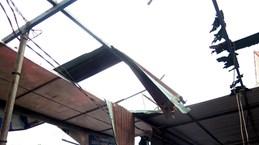 Bão số 9 tại Gia Lai: Tường đổ đè chết người đang trú mưa