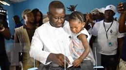 Sierra Leone hoãn kiểm phiếu bầu cử tổng thống vòng hai