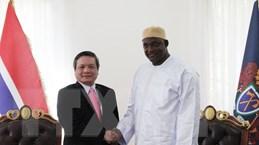 Đại sứ Việt Nam Phạm Quốc Trụ trình Quốc thư lên Tổng thống Gambia