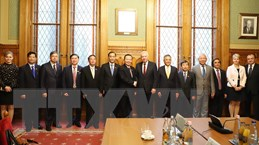 Phó Chủ tịch Quốc hội Phùng Quốc Hiển thăm, làm việc tại Hungary