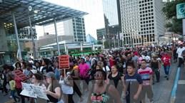Nhiều nước cảnh báo công dân thận trọng khi đến Mỹ sau vụ Dallas