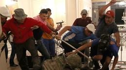 Cảnh sát Kyrgyzstan tiến vào dinh thự của cựu Tổng thống Atambayev