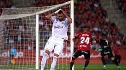 Thua sốc đội tân binh, Real mất ngôi đầu vào tay Barcelona