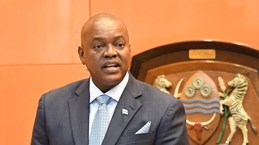 Tổng thống Botswana và tất cả 63 nghị sỹ bị cách ly