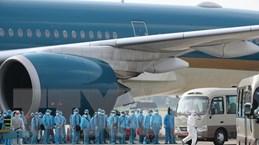 Đại dịch COVID-19: Những chuyến bay trọn nghĩa đồng bào