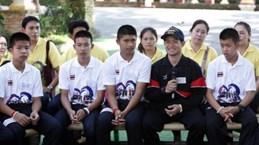 Đội bóng nhí của Thái Lan dự lễ khai mạc Olympic trẻ tại Argentina